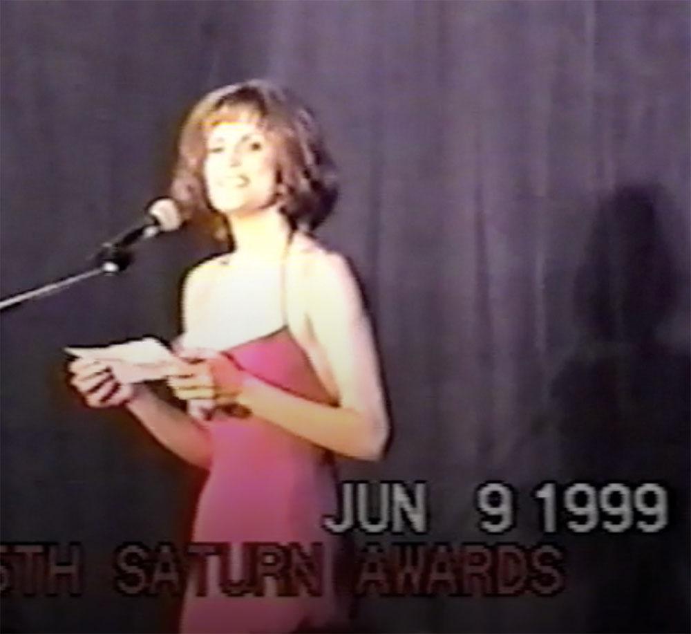 justina-vail-presenting-saturn-award-1999